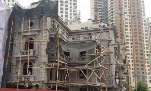 Chính quyền không thể xử lý siêu biệt thự xây sai quy hoạch tại quận Hà Đông?