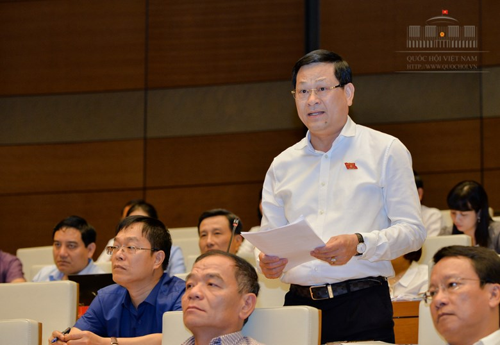 Đại biểu Quốc hội Nguyễn Hữu Cầu - Giám đốc công an tỉnh Nghệ An. Nguồn: quochoi.vn).