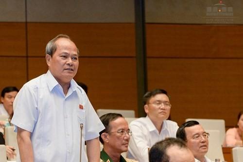 Nhớ những phát biểu và câu hỏi để đời của đại biểu Ngô Văn Minh