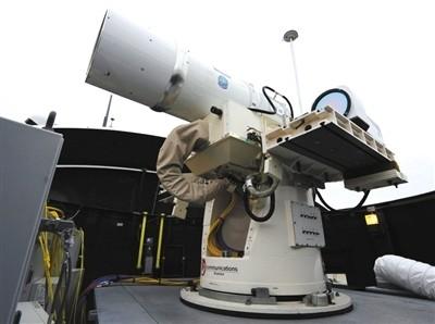 Hải quân Mỹ sẽ triển khai vũ khí laser trong năm 2014